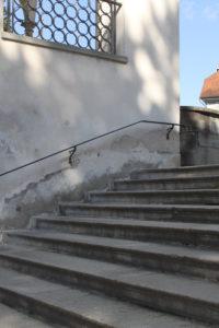 Treppe, die aufwärts zum Himmel geht